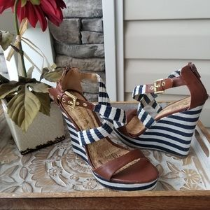 Liliana Stripe A Pose Wedges Blue and White Size 9